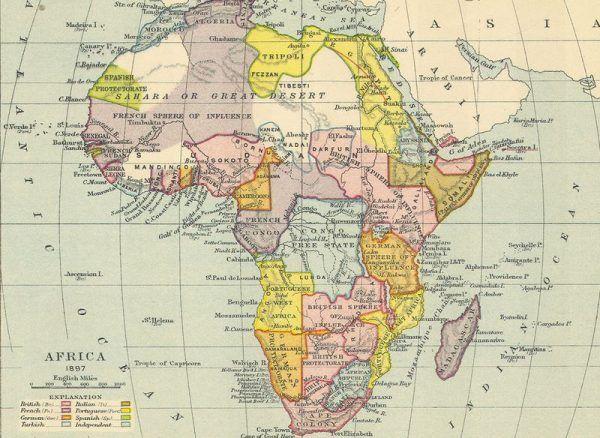 Czy nazywanie Afryki Czarnym Lądem jest rasistowskie? Nic z tych rzeczy. Na ilustracji mapa Afryki z czasów kolonialnych.