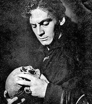 Szekspir wcale nie był oryginalny, jeśli chodzi o scenę z Hamletem i czaszką...