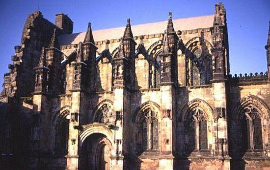 Rosslyn Chapel. Zdaniem niektórych templariusze pozostawili w niej dowody swej wyprawy do Ameryki (fot. Anne Burgess; lic. CC ASA 2.0).
