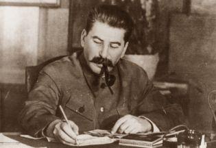 Stalin obmyśla kolejną wielką czystkę w zaciszu swojego gabinetu... (1949 rok)