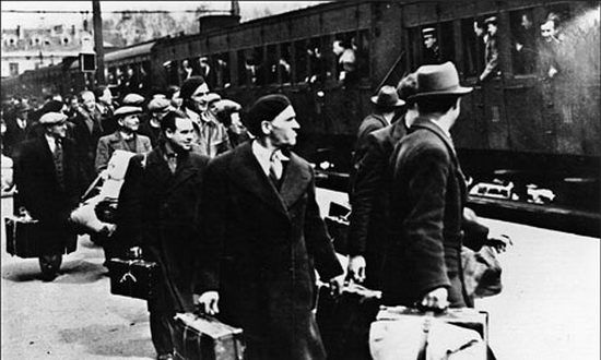 W październiku 1940 r. do Francji Vichy przesiedlono z ternu III Rzesz sześć tysięcy Żydów. Niespełna dwa lata później transporty ruszyły w przeciwnym kierunku.