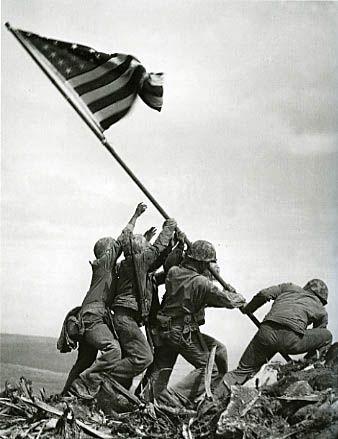 Iwo Jima. Jedna z najbardziej znanych operacji desantowych.