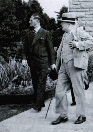 Winston Churchill i jego wierny ochroniarz, Walter Thompson (przykładowa ilustracja z kiążki: Tom Hickman, Ochroniarz Churchilla, Replika 2011).