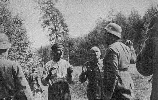 Zdjęcie mające przedstawiać płk. Waltera Wessela wydającego rozkaz egzekucji polskich jeńców pod Ciepielowem. Jednak czy akurat ta zbrodnia faktycznie miała miejsce?
