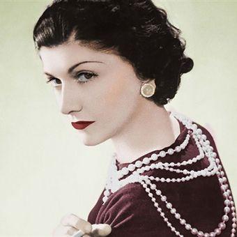 """Coco Chanel. Fragment okładki książki Lisy Chaney """"Coco Chanel. Życie intymne"""""""