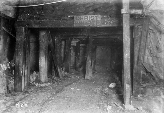 A tak prezentował się w grudniu 1917 r. jeden z tuneli podziemnego miasta pod Arras.