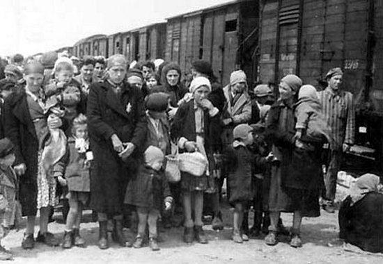 Czy tragedii węgierskich Żydów zesłanych do Auschwitz można było zapobiec? Czy niemiecki zbrodniarz dotrzymałby danego słowa?