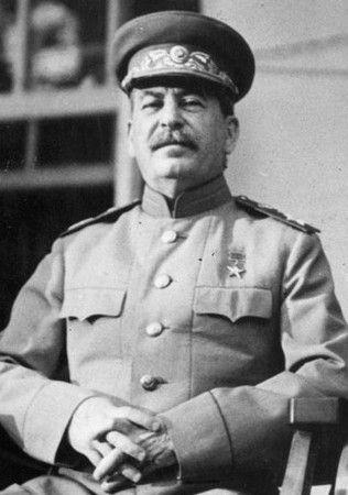 Gdy tylko Stalin dowiedział się o ogromnych pokładach węgla zdecydował o odebraniu Polsce kolana Bugu.