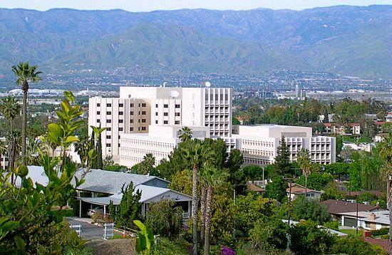 Loma Linda University Medical Center. To właśnie w tym szpitalu dr Leonard L. Bailey przeprowadził operację małej Stephanie (źródło: wikimedia commons, domena publiczna).