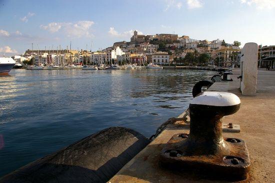 Port na Ibizie. Gdyby Hitler nie poskromił swojego gniewu, to tu wybuchłaby II wojna światowa... (fot. Sunface13; lic. CC BY-NC-ND 2.0).