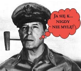 Pełen pokory generał Douglas MacArthur...