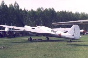Radziecki bombowiec SB-2. Przez dwa takie samoloty Europa stanęła na krawędzi wojny...