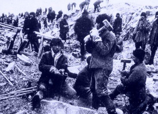 Represje po stłumieniu buntu sprawiły, że wyssana z palca plotka zamieniła się w rzeczywistość i kosztowała życie setki niewinnych ludzi.