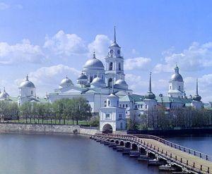 Rosyjskie monastery. Ośrodki życia duchowego... i produkcji alkoholu.