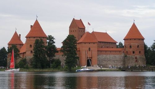 Zamek w Trokach. Siedziba Kiejstuta (lic. CC ASA 3,0; fot. Krzysztof Mizera).