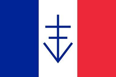 Trójkolorowa flaga z krzyżem lotaryńskim wspartym na literze V jak Victory (zwycięstwo) stanowiła symbol Wolnej Republiki Vercors (autor Froztbyte; lic. CC ASA 3.0).