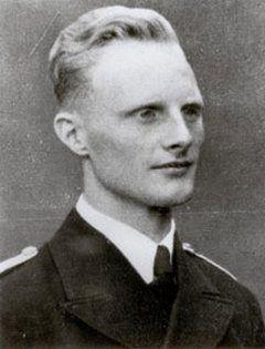 Niemcy podczas całej bitwy stracili tylko U-384, którego dowódcą był Oblt. Hans-Achim von Rosenberg-Gruszczyński