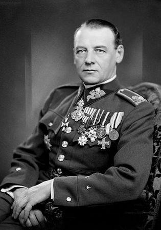 Upadającemu powstaniu nijak nie mogło już pomoc objęcie dowództwa nad walczącymi siłami przez gen. Rudolfa Viesta.