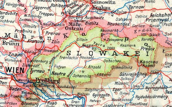 Słowacja była wiernym sojusznikiem Trzeciej Rzeszy, jednak wraz z widmem klęski Niemiec opozycja zaczęła coraz silniej dążyć do obalenia ks. Jozefa Tisy. Na mapie Słowacja w 1943 r.