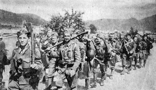 Do walki z Niemcami w sierpniu 1944 r. ruszyło blisko 70 tys. Słowaków.