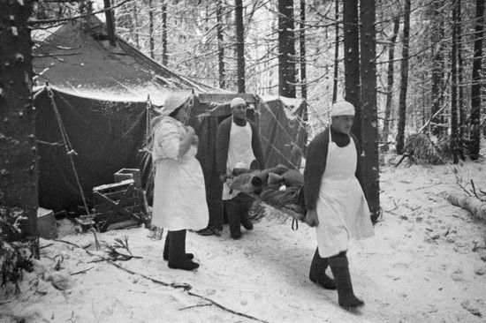 Jak zauważa Rodric Braithwaite sowiecka służba medyczna podczas drugiej wojny światowej o wiele lepiej radziła sobie z opanowywaniem chorób niż jej następcy w Afganistanie