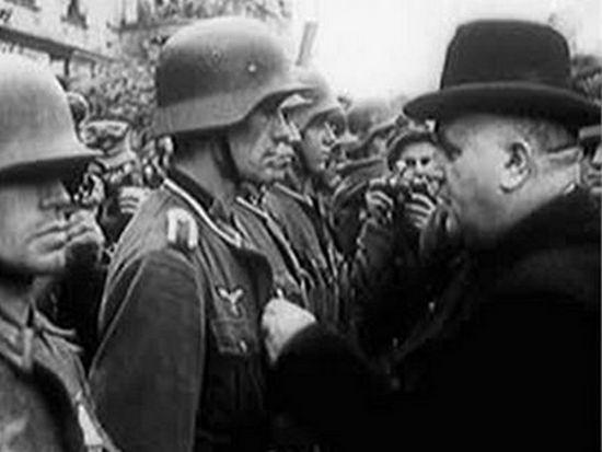 Po stłumieniu powstania Jozef Tiso odprawił w Bańskiej Bystrzycy dziękczynną mszę, a następnie udekorował niemieckich żołnierzy wysokimi odznaczeniami i podziękował im za dobrze wykonaną pracę