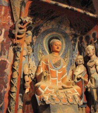 """""""W miejscu, gdzie tradycyjnie stawiano posąg Buddy, miał stanąć nowo wykuty posąg Przewodniczącego Mao""""... My wolimy jednak bardziej tradycyjną wersję!"""