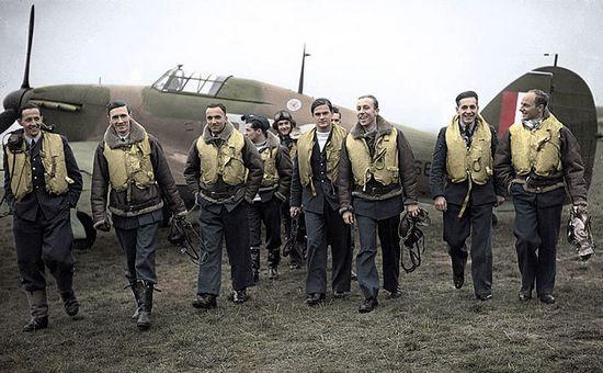 Wielu pilotów Dywizjonu 303 zanim miało okazję pokazać na co ich stać w Anglii, najpierw musiało uciec z rumuńskiego internowania. Niejedna z tych historii to gotowy scenariusz filmu przygodowego.
