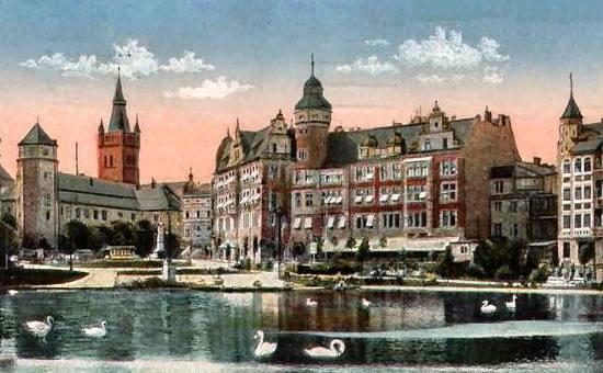 Königsberg (obecnie Kaliningrad), to właśnie ze stolicy Prus Wschodnich więźniowie mieli trafić drogą morską na zachód. Szybkie postępy Armii Czerwonej sprawiły, że stało się to niemożliwe.