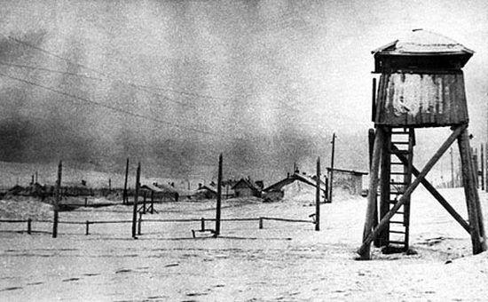W początkach 1957 r. kilkuset protestujących przeciw radzieckiej interwencji na Węgrzech trafiło na łagrów. Niektórzy z nich otrzymali wyroki nawet siedmiu lat.
