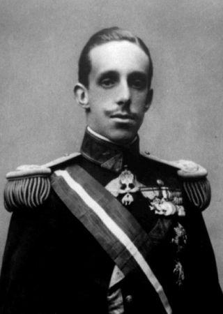 Mimo bardzo poważnego wyglądu król Alfons XIII miał poczucie humoru. Na szczęście.