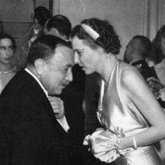Czasem nawet szepcząc coś na uszko możemy popełnić gafę... Jadwiga Beckowa (na zdjęciu z tureckim ambasadorem) doskonale zdawała sobie z tego sprawę.