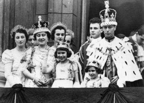 Spokojny i wyważony Jerzy VI, który objął tron Anglii po Edwardzie VIII był absolutnie nieugięty w jednej kwestii: Wallis Simpson.