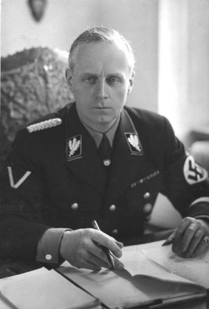 Czyżby Wallis była nazistowskim szpiegiem, przekazującym poufne informacje swojemu kochankowi Ribbentropowi? Tak przynajmniej podejrzewali brytyjscy mężowie stanu...