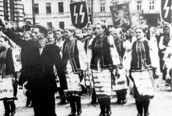 Jak się okazało górale kompletnie nie mieli ochoty do służenia w czarnej gwardii Hitlera. A już kompletnie nie po drodze było im z Ukraińcami z Dywizji SS Galizien.