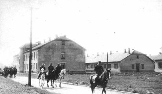 Koszary w Oświęcimiu w dwudziestoleciu międzywojennym. Tutaj Niemcy utworzyli obóz koncentracyjny...