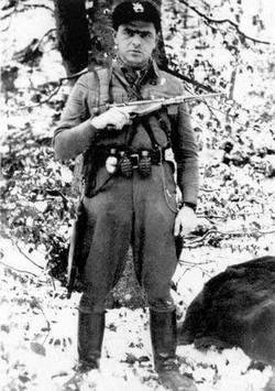"""Porucznik Jan Piwnik """"Ponury"""". Cichociemny, który dowodził atakiem na pińskie więzienie."""