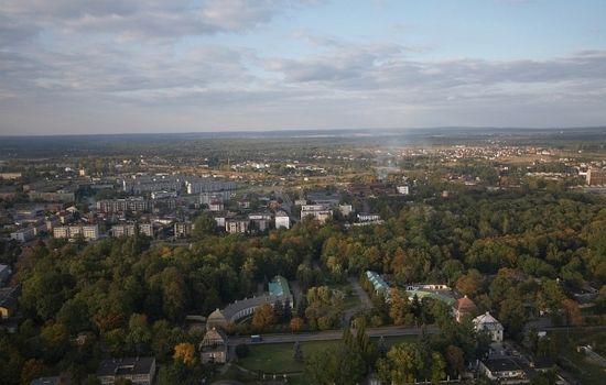 Końskie, obecnie spokojne, kilkunastotysięczne miasto powiatowe w województwie świętokrzyskim. Jednak podczas II wojny światowej dużo się tutaj działo