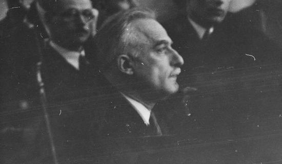 Inżynier Edward Ruszczewski na ławie oskarżonych podczas procesu, w wyniku którego został skazany na sześć lat więzienia.