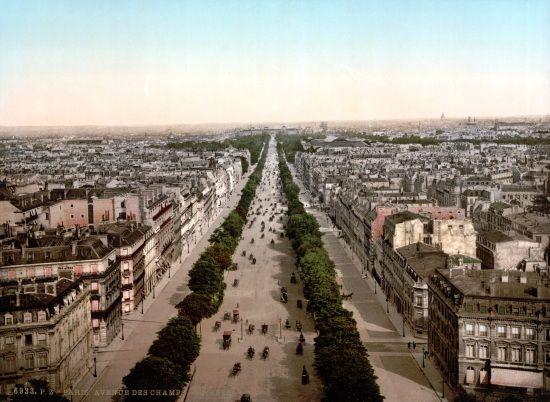 I nowy Paryż: uporządkowany, stateczny, z szerokimi ulicami przecinającymi go w dwunastu liniach prostych... (rok 1900).