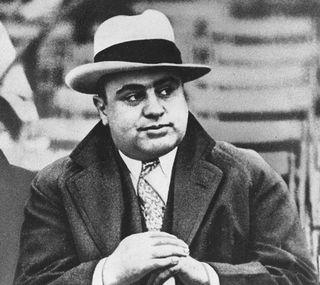 Chicago miało Ala Capone. Wilno Saszkę Lichtsohna. Czyżby jakie miasto taki mafioso?
