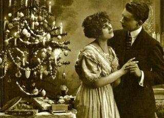 Przy choince, patrząc sobie w oczy... pełen romantyzm!