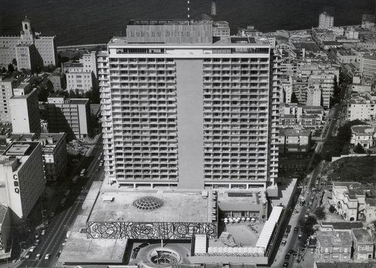Hawański Hilton. To w nim zamieszkał Fidel Castro ze swoją świtą po obaleniu Batisty.