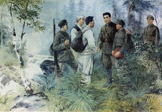 Według północnokoreańskiej propagandy Kim Ir Sen całą wojnę spędził na walce z Japończykami. Tak naprawdę, przez większość jej trwania spędził on w Związku Radzieckim. Na ilustracji jeden z wielu plakatów propagandowych przedstawiających Kim Ir Sena wśród partyzantów.