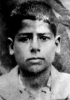 Saddam jako nastoletni chłopak. Zdjęcie z końca lat 40.