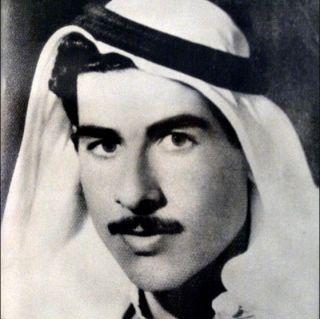 Przystojny, delikatny młodzieniec. Saddam Husajn we własnej osobie