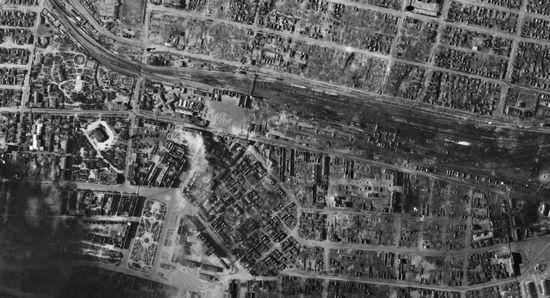 Zdjęcie centrum Stalingradu wykonane przez Niemców 30 sierpnia 1942 r. Widać na nim ogrom zniszczeń jakie spowodowały naloty dywanowe.
