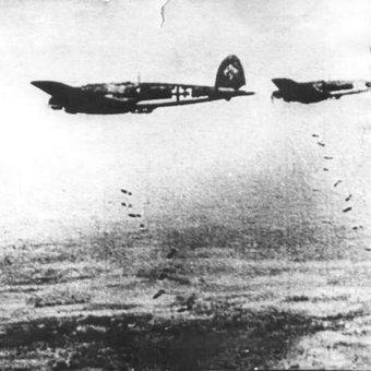 Niemieckie bombowce nad Stalingradem.