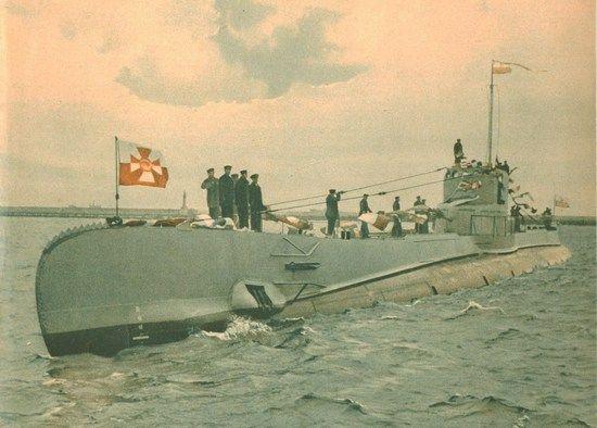 ORP Orzeł w pełnej krasie. Zdjęcie wykonane w lutym 1939 r. na redzie gdyńskiego portu.