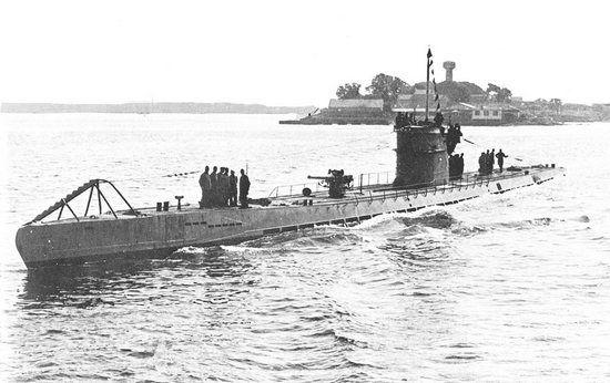 Oceaniczne U-booty typu IXC, wyruszając na trzymiesięczny patrol bojowy, zabierały na pokład 12,5 tony jedzenia  i picia.  Marynarze musieli nieźle się gimnastykować, aby wszystko to upchnąć na okręcie.